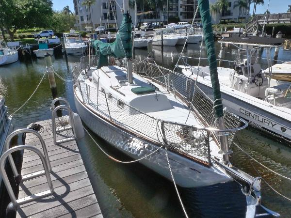 Morgan 34 Sloop At the dock
