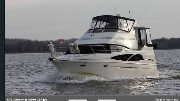 Carver 36 Motor Yacht Port Bow
