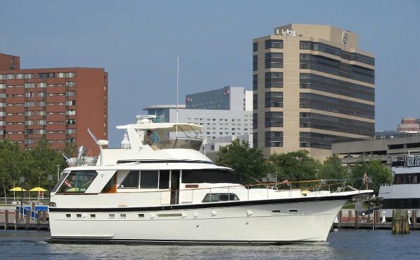 Hatteras 53 Classic Motor Yacht Cummins