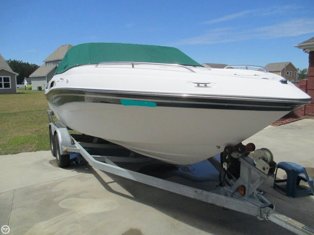 Four Winns Sundowner 215 2000 Four Winns Sundowner 215 for sale in Conway, SC