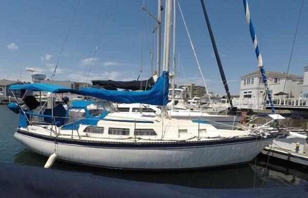 Newport Sloop Starboard Profile