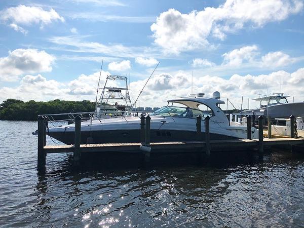 Sea Ray 44 Sundancer Port profile