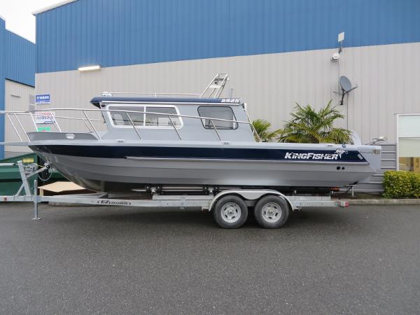 Kingfisher 2525 Offshore