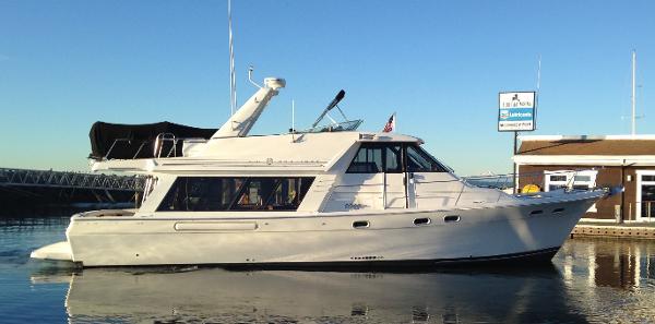 Bayliner 4788 Pilothouse Profile