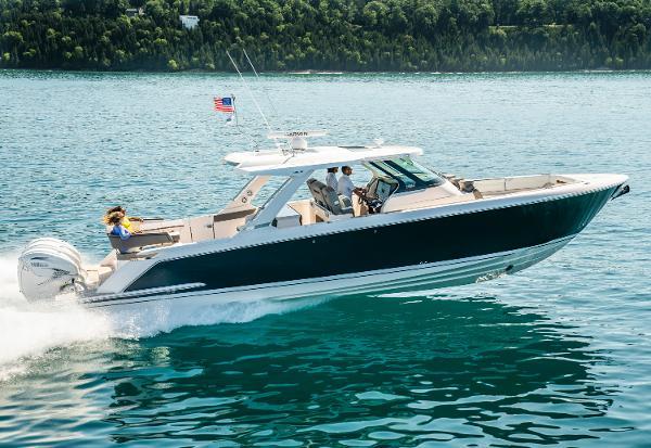 Tiara Yachts 43 LS