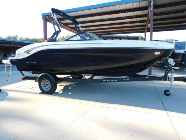 Bayliner DX 2050