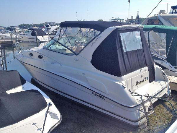 Regal 292 Commodore port side stern
