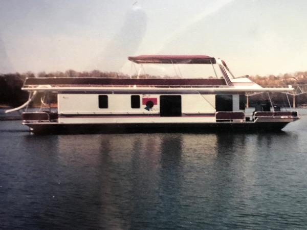 Sunstar 16' x 65' Houseboat
