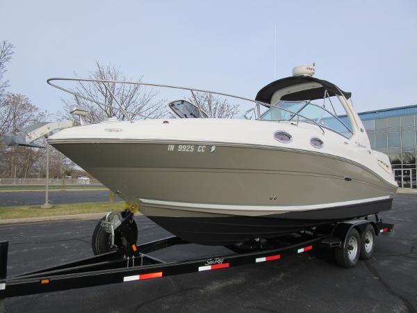 Sea Ray 260 Sundancer ON DISPLAY