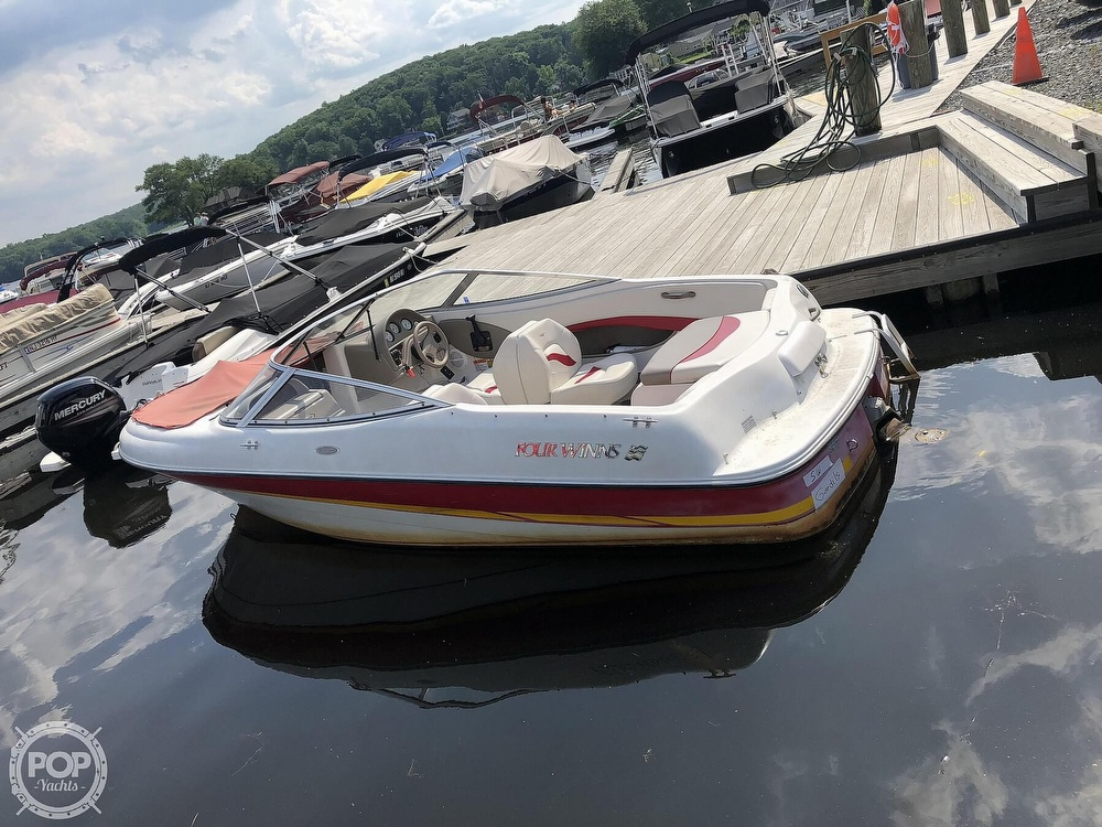 Four Winns 180 Horizon 2002 Four Winns 18 for sale in Dover, NJ