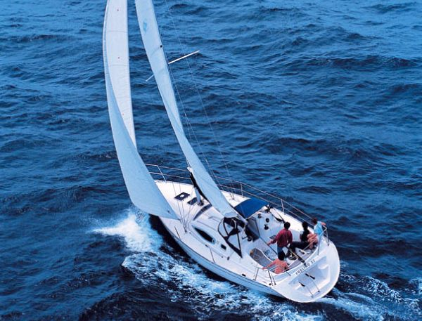 Feeling 32 Sailing