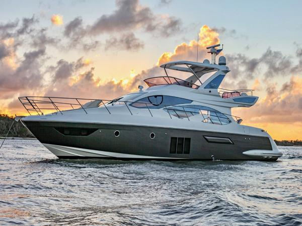 Azimut Flybridge Profile