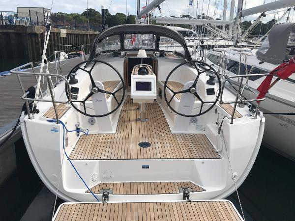 Bavaria Cruiser 34 Bavaria Cruiser 34