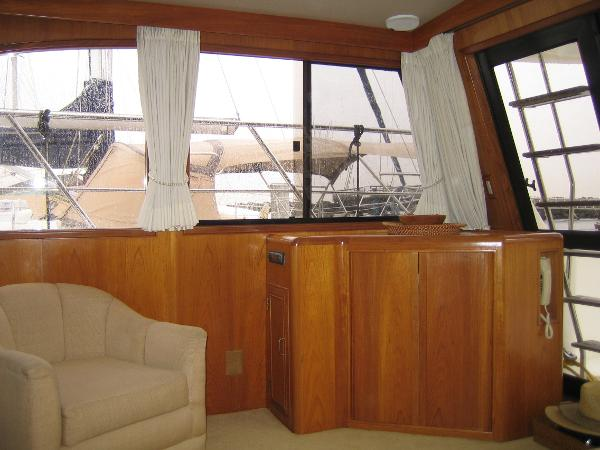 Starboard side salon chair & entertainment center