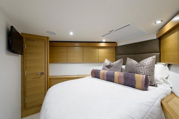 Stateroom, Forward