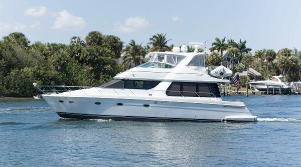 Carver 530 Voyager Pilothouse Port Side