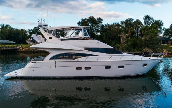 Marquis 59 Starboard Profile