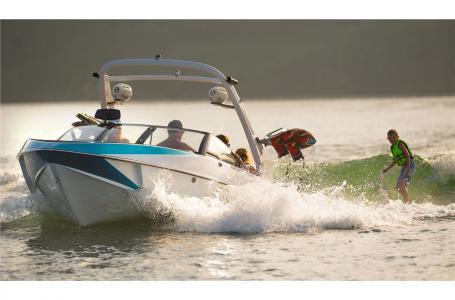 Malibu Boats LLC 21 vlx