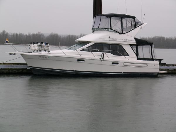 Bayliner 3388 Command Bridge Motoryacht