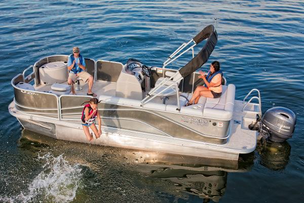 SunCatcher V20 Fish & Cruise Manufacturer Provided Image
