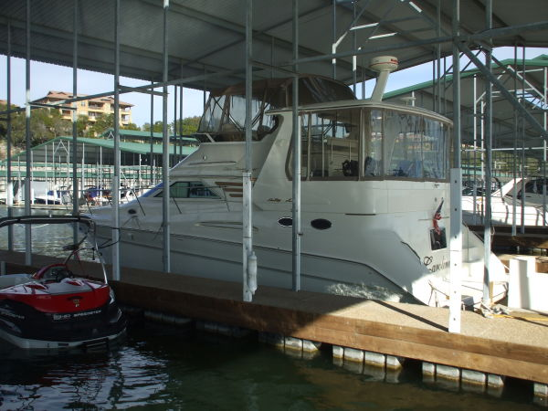 Sea Ray 420 Aft Cabin Photo 1