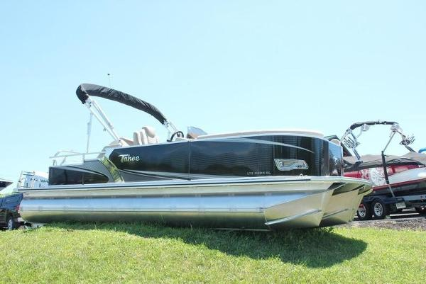 Tahoe Pontoon LTZ Rear Lounge 24'