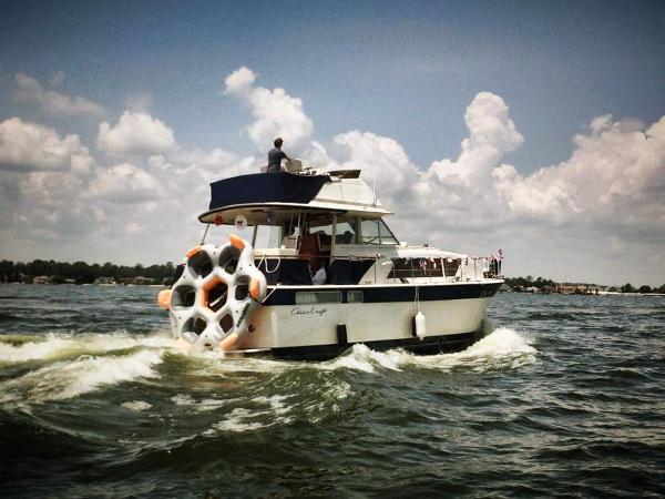 Chris-Craft 410 Commander Yacht