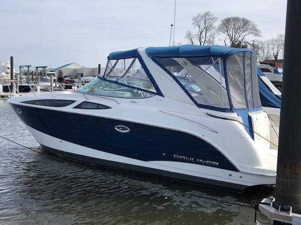 Bayliner 315 Cruiser 31 Bayliner 315 Cruisers 2010