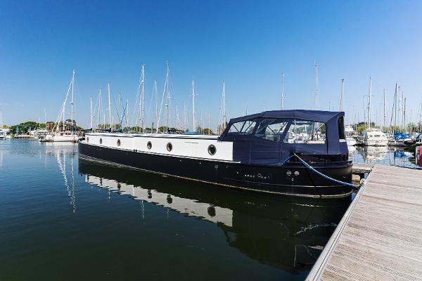 Barge Turnstone F64
