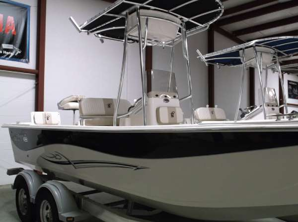 Carolina Skiff DLV 238