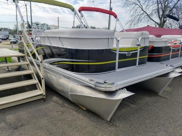 Qwest 820 Splash Pad