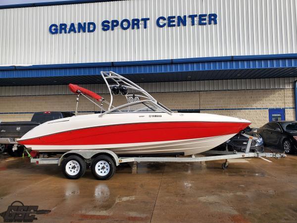 Yamaha Boats AR230