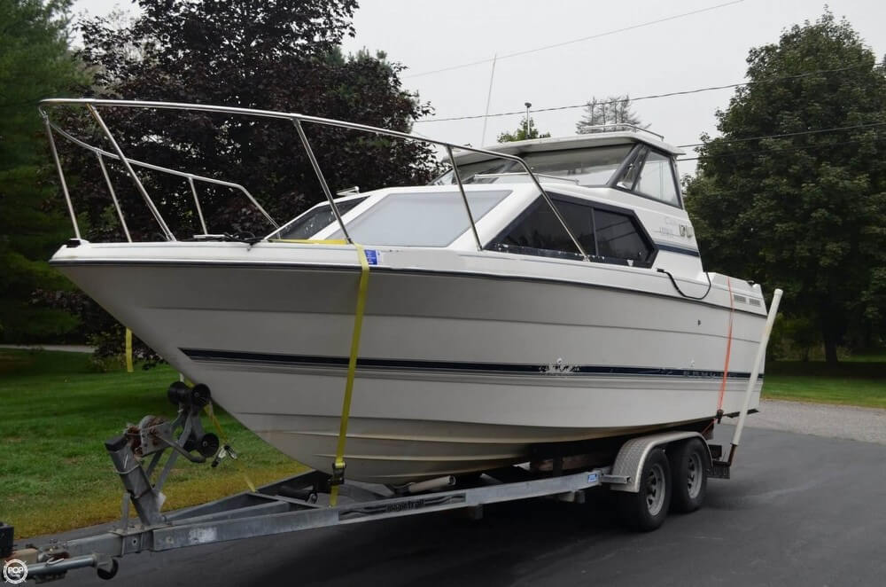 Bayliner 2452 Ciera Express 1999 Bayliner 2452 Ciera Express for sale in Scarborough, ME