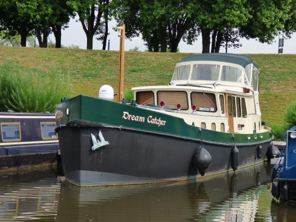 Walker Custom Cruiser Barge