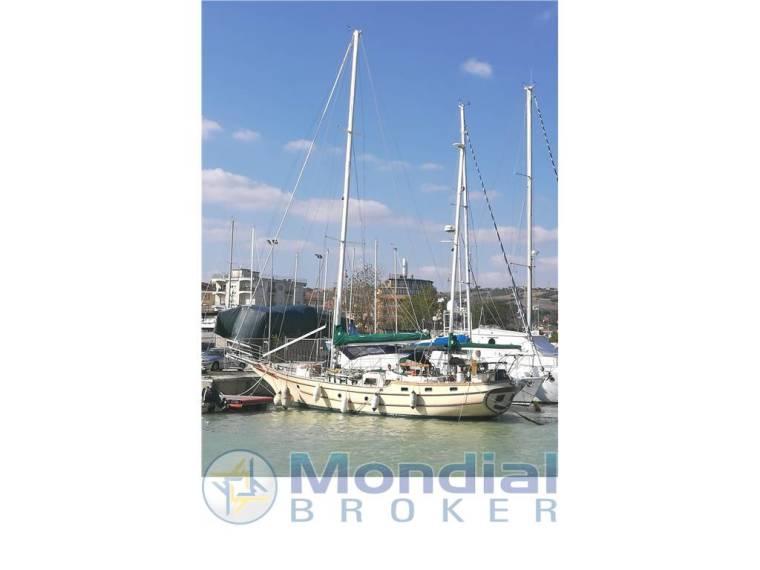 Bluewater Yacht Builders Ltd.  VAGABOND KETCH 47