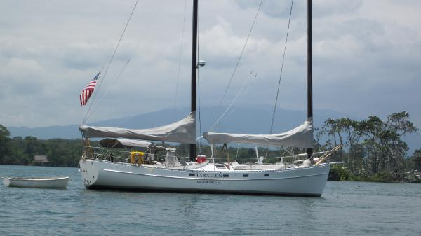 Mach I-freedom Boats Cat Ketch FARALLON