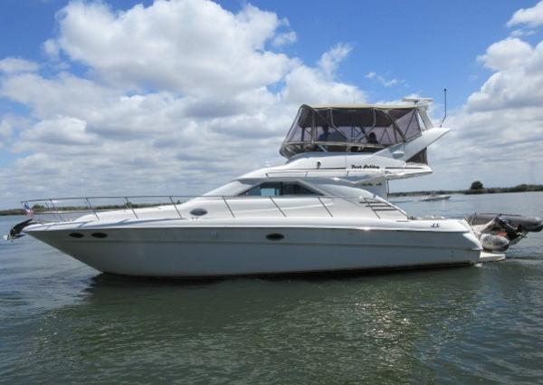 Sea Ray 400 Sedan Bridge PORT MAIN