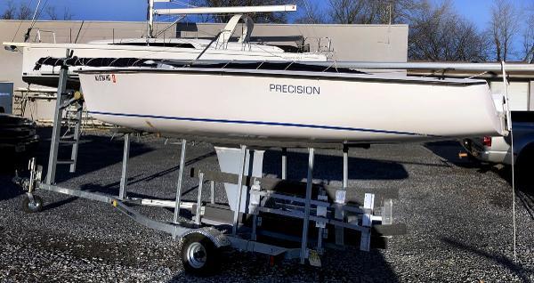 Precision 185 2016 Precision 185 - Port hull