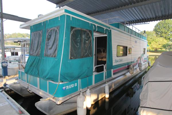 Aqua Chalet Pontoon Houseboat