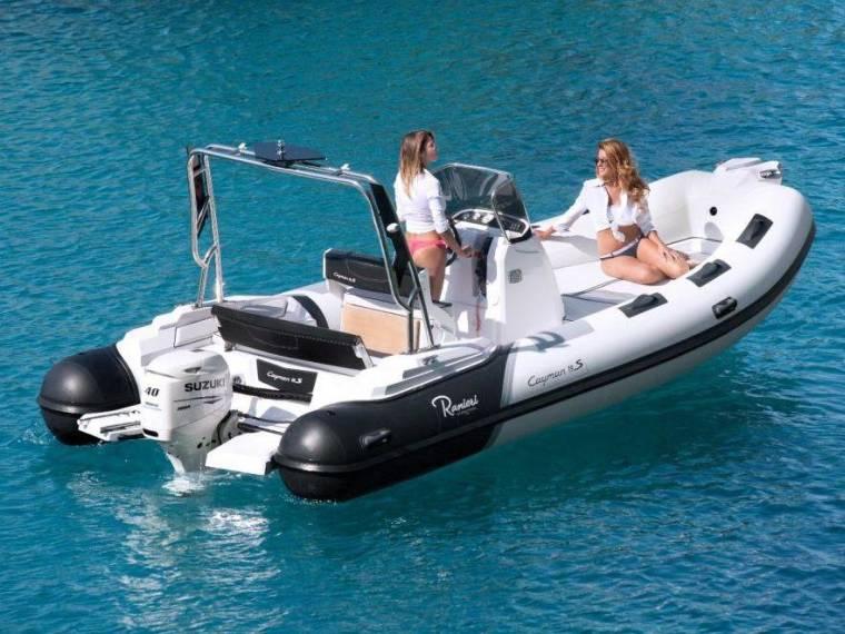 Ranieri International Cayman 19 Sport in Serienausstattung