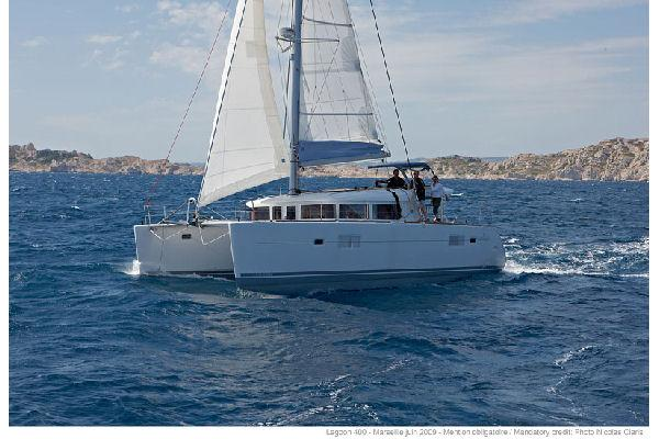 Lagoon 400 Manufacturer Provided Image