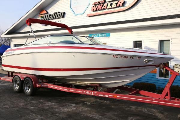 Cobalt Boats 252