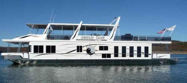 Thoroughbred 2009 21' x 95' House Boat