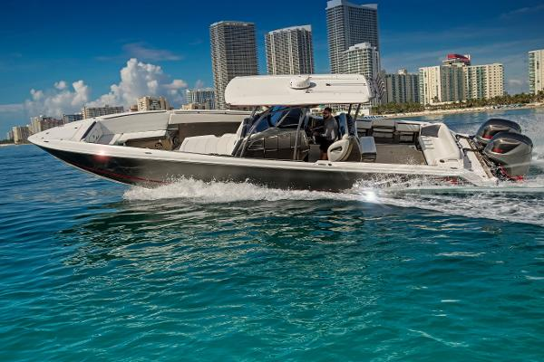 Nor-Tech 390 Center Console Sport Open