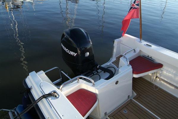 Orkney Vangaurd 170 Cockpit