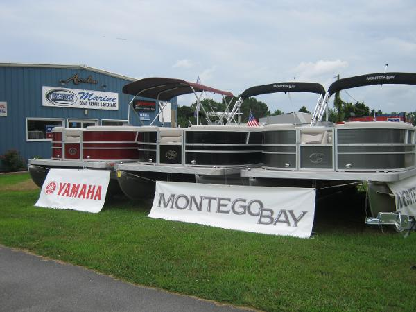 Montego Bay 8522-2PT BK DLX Fish & Cruise