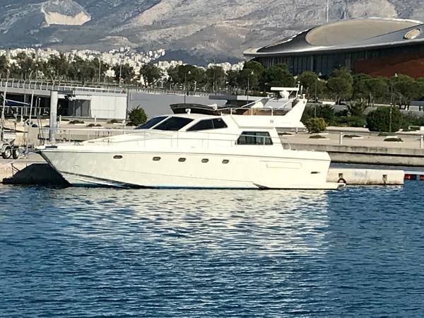 Ferretti Yachts 52S
