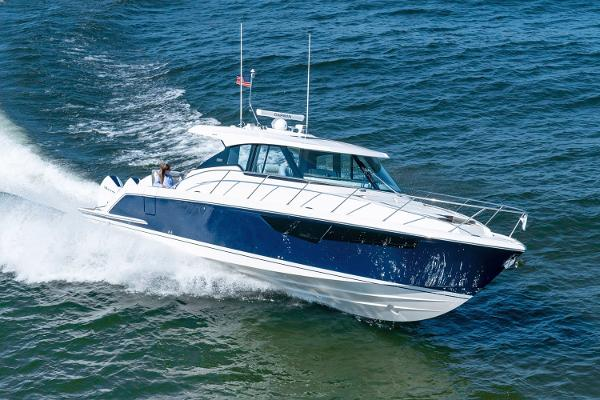 Tiara Yachts 43 LE Manufacturer Provided Image