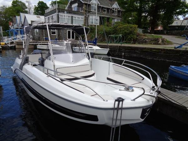 Beneteau Flyer 7.7 Spacedeck Beneteau Flyer 7.7