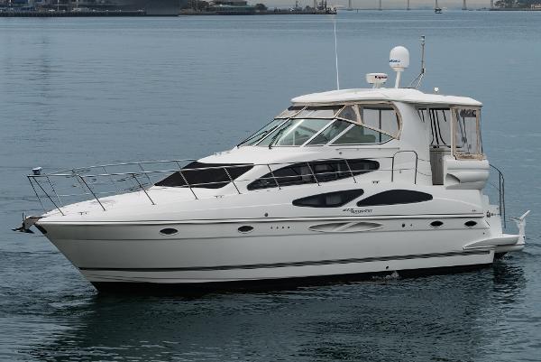 Cruisers Yachts 415 Motoryacht